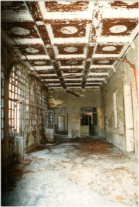sala fatiscente